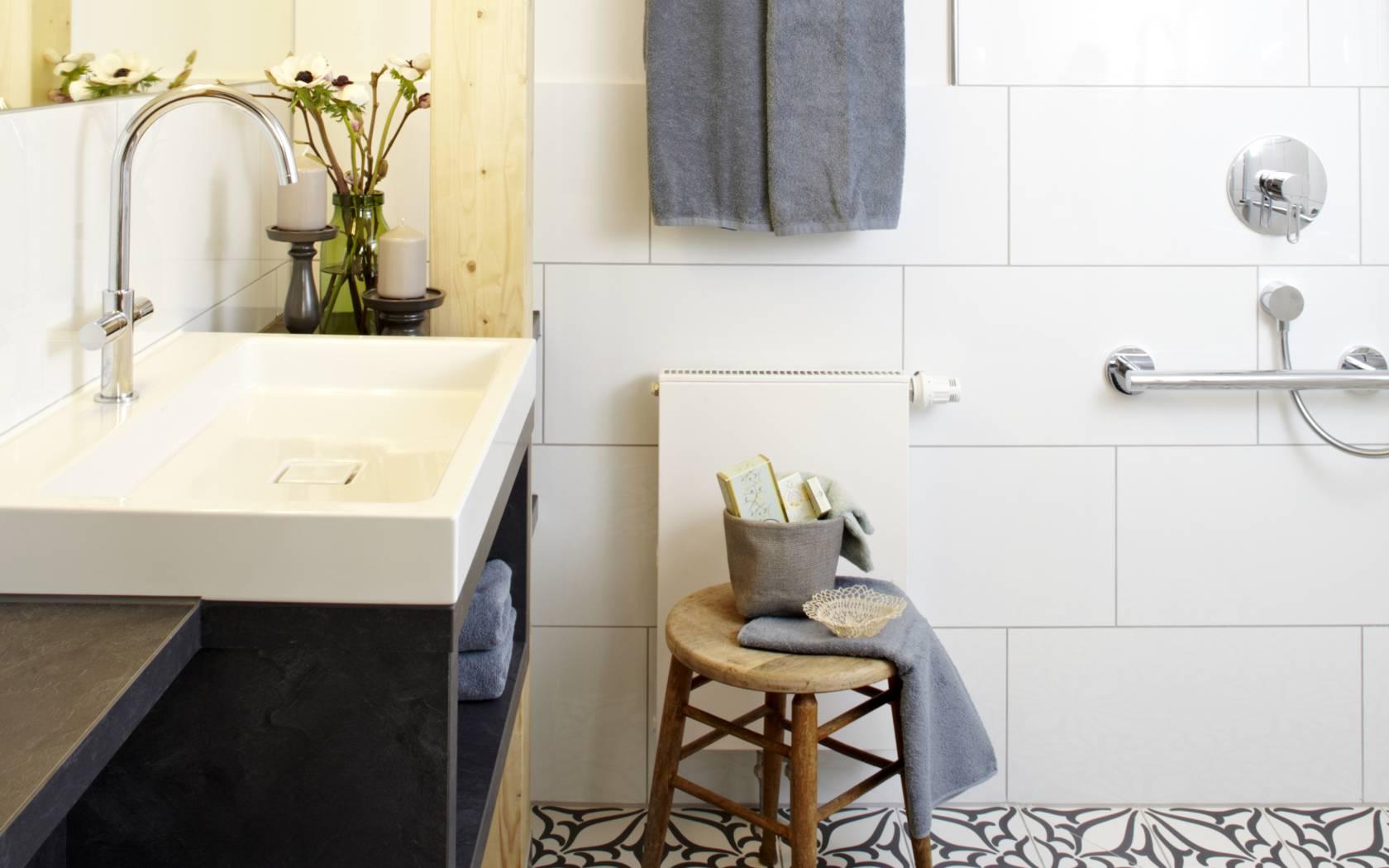 ger umig und chic die barrierefreie wohnung k nigsschlaf sieben unvergleichliche. Black Bedroom Furniture Sets. Home Design Ideas
